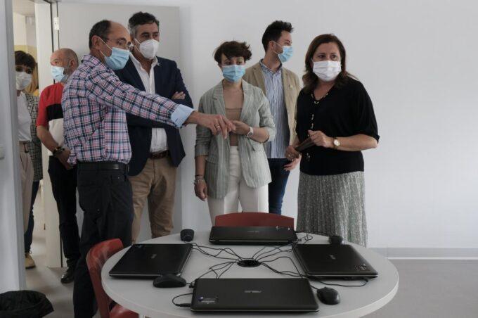 La consejera de Educación  visita las obras de rehabilitación del IES 'Fernando de Mena' de Socuéllamos
