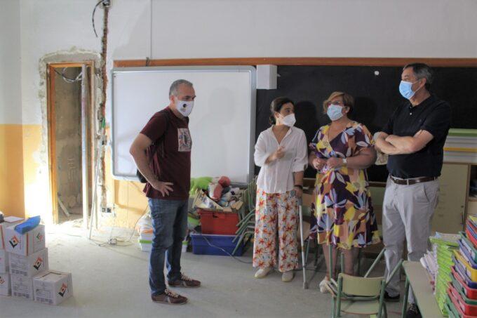 Carmen Olmedo visita en Ciudad Real las obras de varios centros educativos para adaptarlos a la nueva realidad de la COVID-19