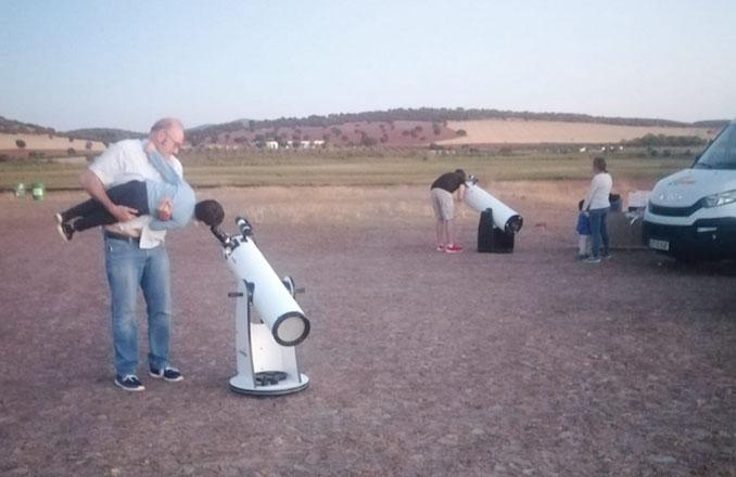 Observación astronómica en el Pantano de la Cabezuela