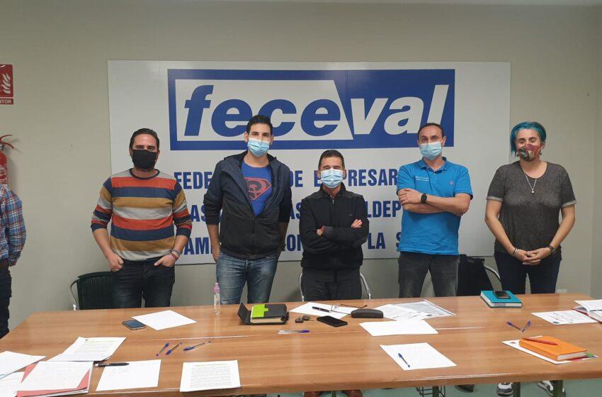 Izquierda  Unida  y  Feceval  se  han  reunido  para  tratar  la situación económica, social y sanitaria en Valdepeñas
