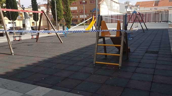 Manzanares cierra parques, instalaciones deportivas y culturales y suspende el mercadillo