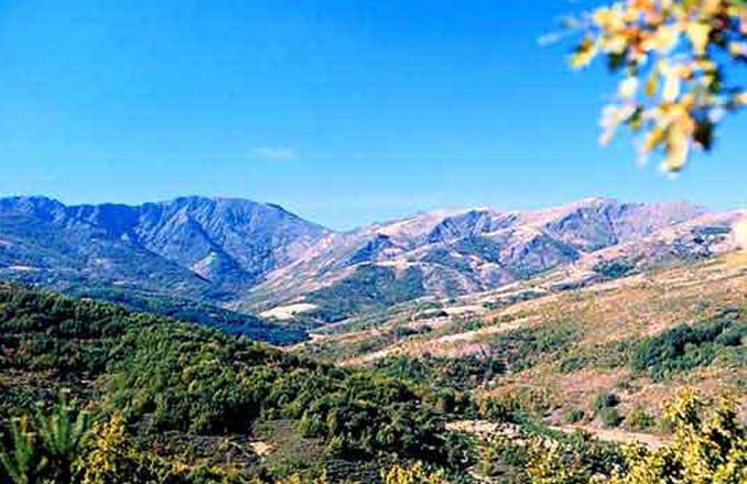El Espacio Red Natura 2000 ZEC-ZEPA 'Sierra de Ayllón' entre los cuatro primeros de España en adherirse al 'Sistema de reconocimiento de la sostenibilidad del turismo de naturaleza en Red Natura 2000'