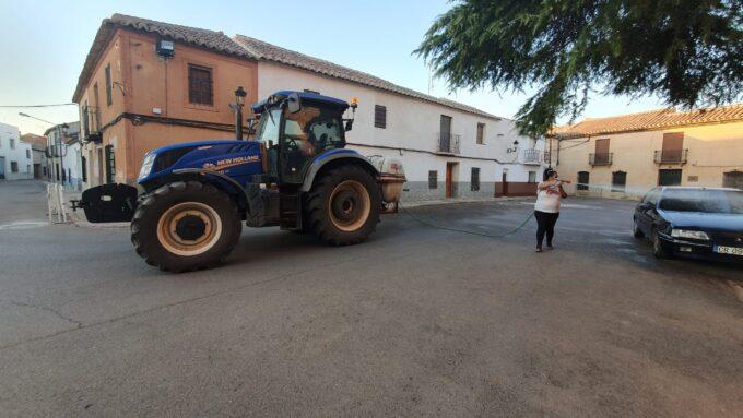 El alcalde de Granátula agradece a más de 60 voluntarios su colaboración altruista en las fumigaciones semanales