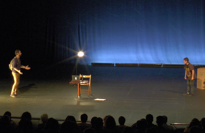 El Teatro Auditorio Municipal 'Francisco Nieva'  acogió 'Dados'
