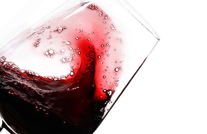 El Gobierno de Castilla-La Mancha muestra su compromiso con la creación de una Ruta del Vino de Almansa