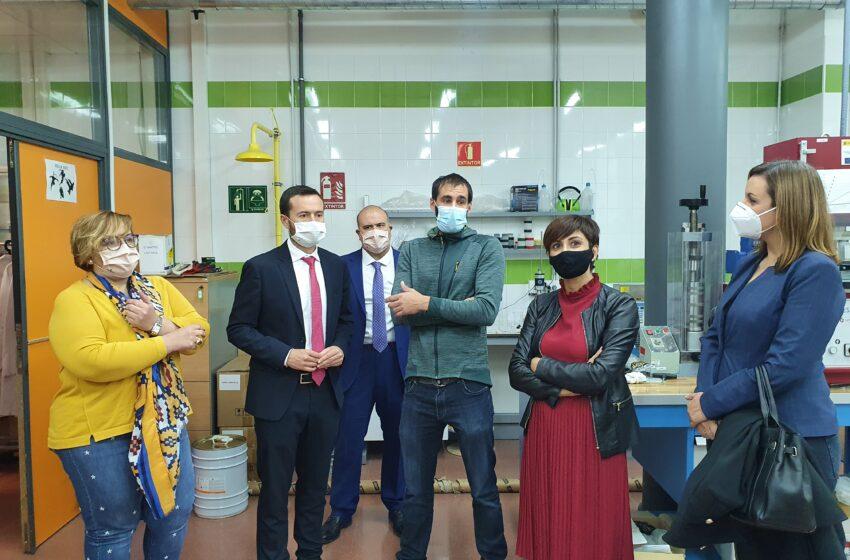 El consejero de Desarrollo Sostenible, José Luis Escudero visita al Centro Nacional del Hidrógeno en Puertollano