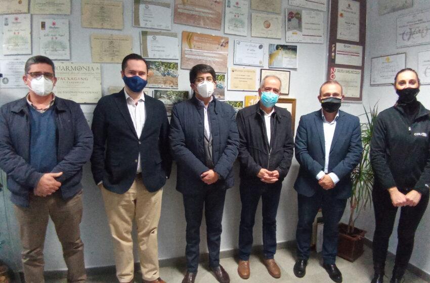El Cónsul General de Ecuador ha visitado la Cooperativa Colival de Valdepeñas