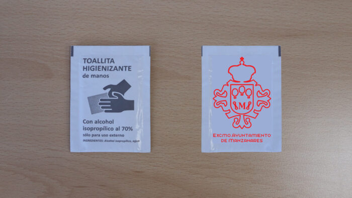 Monodosis de gel hidroalcohólico y toallitas desinfectantes