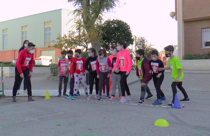El CEIP Lucero celebra la carrera solidaria SAVE THE CHILDREN con todas las medidas de seguridad