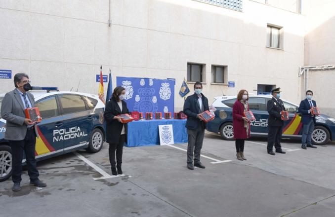 La Diputación posibilita que Ciudad Real sea la primera provincia de España en dotar a los coches de la Policía Nacional con desfibrilador