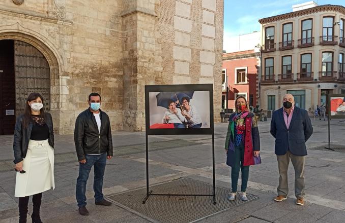 """AFAD saca a la cale una exposición fotográfica bajo el título """"una vida llena de colores"""""""
