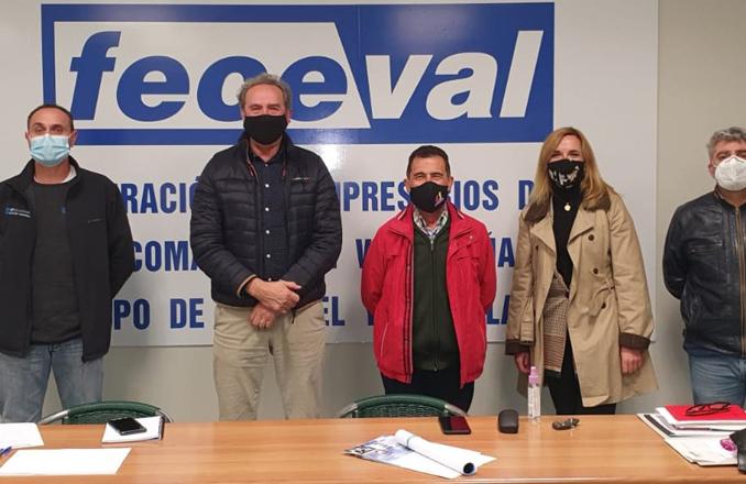 El PP de Valdepeñas y Feceval han mantenido una reunión