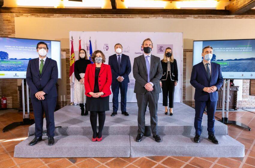 El Gobierno regional subraya la inversión de más de 5 millones de euros en el impulso a la sostenibilidad turística de tres de sus principales destinos