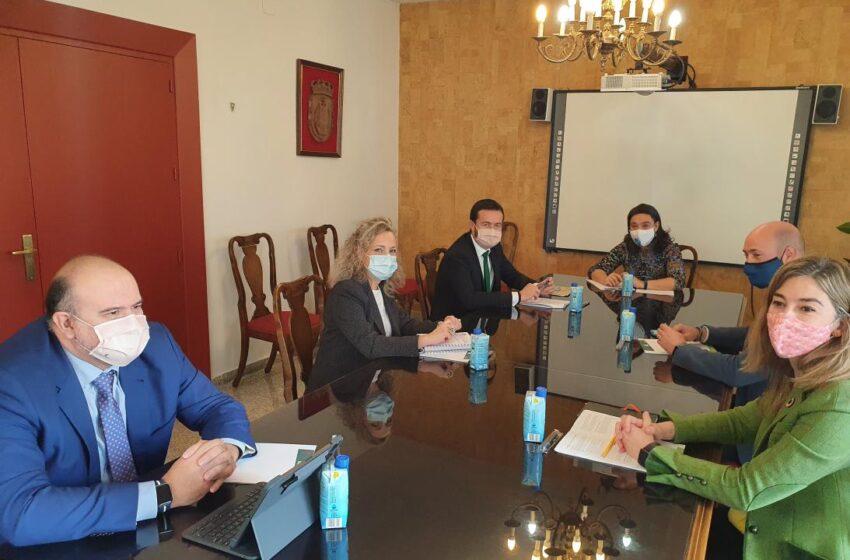 José Luis Escudero  mantiene una reunión de trabajo en el Ayuntamiento de Ciudad Real