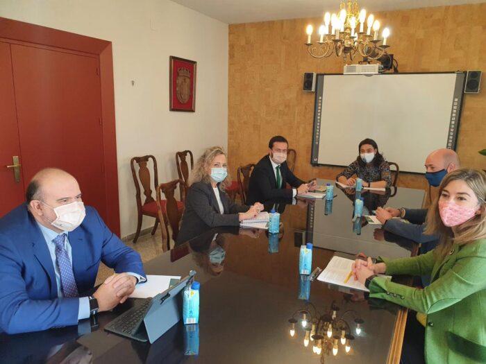 José Luis Escudero mantiene una reunión de trabajo con la alcaldesa de Ciudad Real, Pilar Zamora
