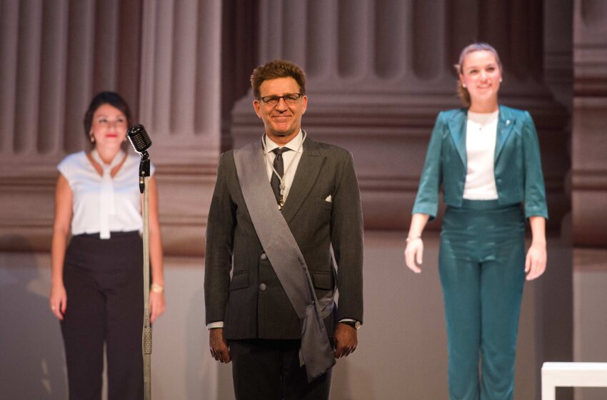 Juanjo Artero se convierte en 'Un marido ideal', el viernes 18 en el Teatro de Valdepeñas