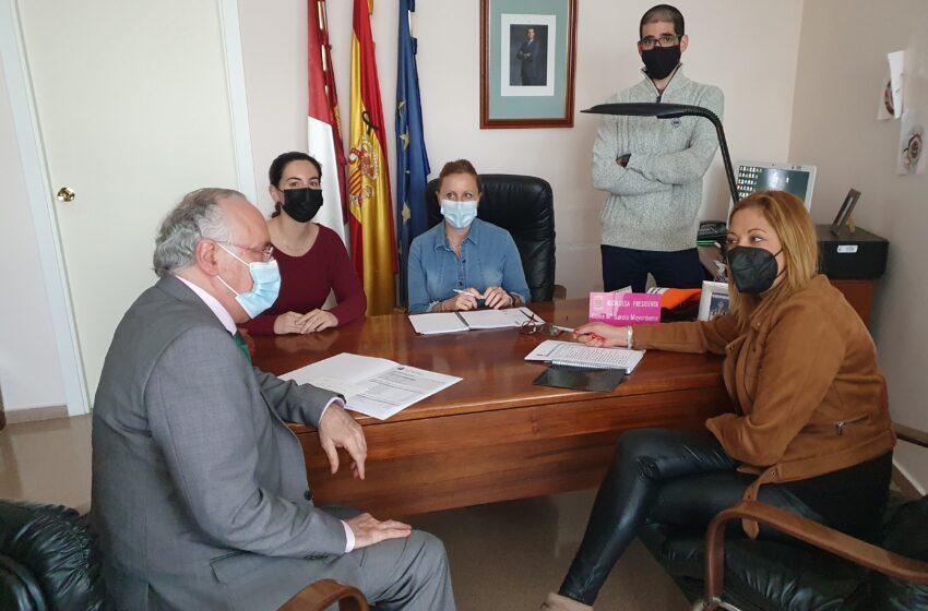 Francisco Pérez Alonso se ha reunido con la alcaldesa de Santa Cruz de Mudela