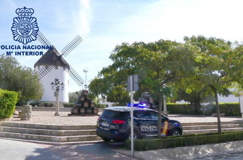 La Policía Nacional de Valdepeñas detecta en un control a un varón que conducía ebrio y transportaba cocaína