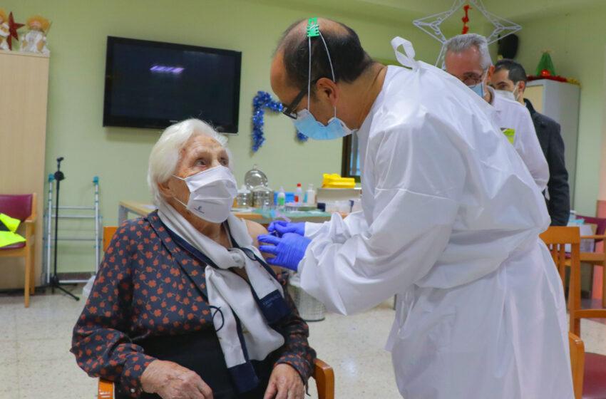 Comienzan las primeras vacunaciones frente al SARS-CoV2 en la provincia de Ciudad Real