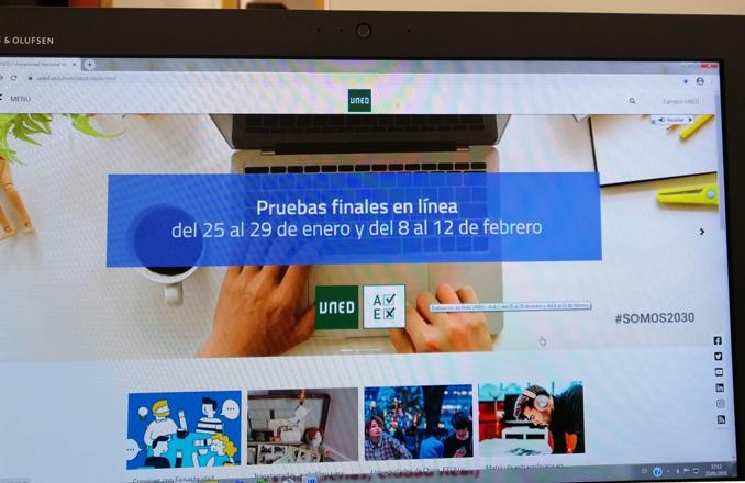 """La UNED realiza la convocatoria ordinaria de exámenes de febrero a través del """"aula virtual de exámenes"""" (AVEX)"""