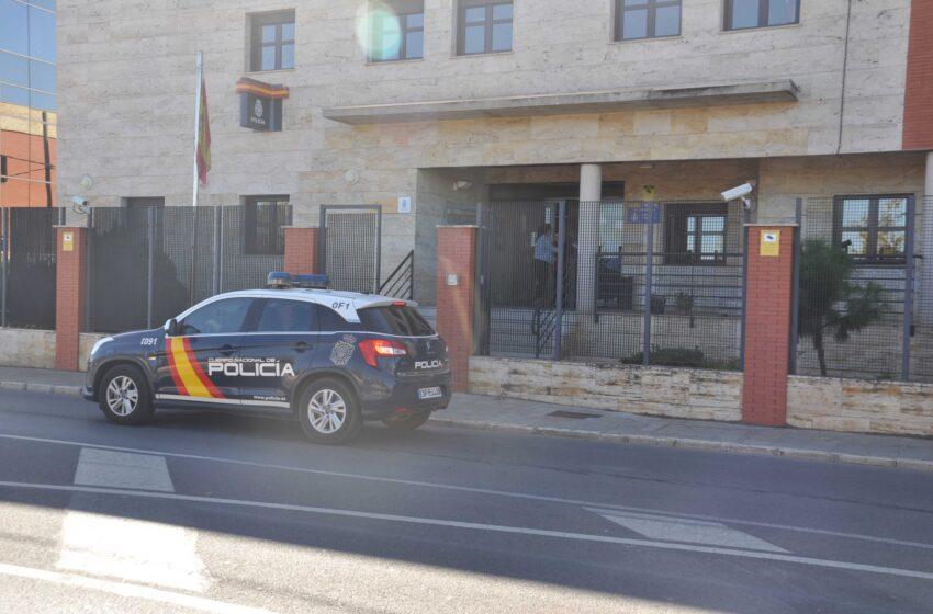 La Policía Nacional detiene a dos personas por la comisión de trece robos con fuerza en Valdepeñas