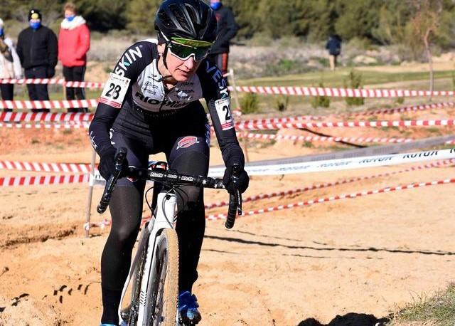 La selección de ciclocross de Castilla-La Mancha afronta este fin de semana el Campeonato de España bajo unas duras condiciones