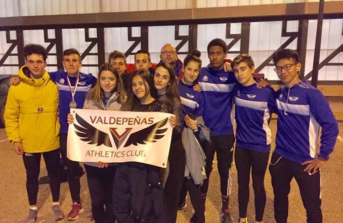 El Valdepeñas Athletics Club estrena la temporada de pista cubierta en Puertollano