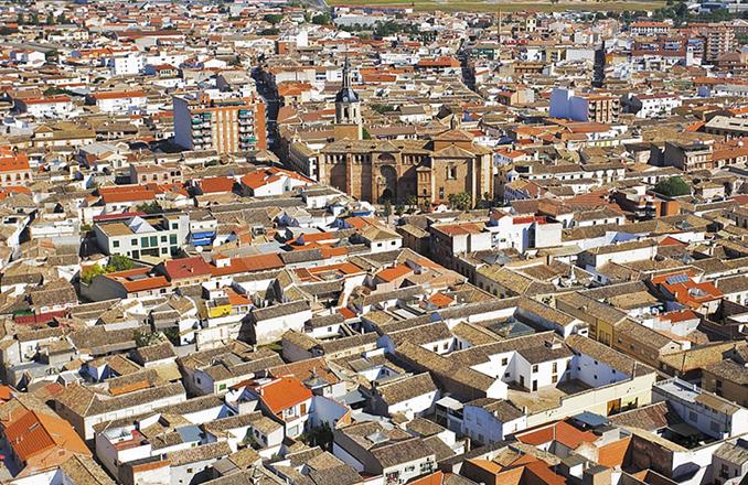 El paro baja en Manzanares en 105 personas