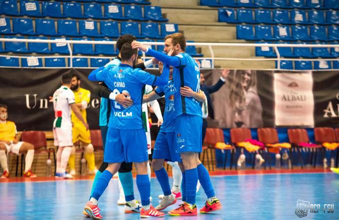 7-4  El Viña Albali Valdepeñas consigue su primer triunfo del año