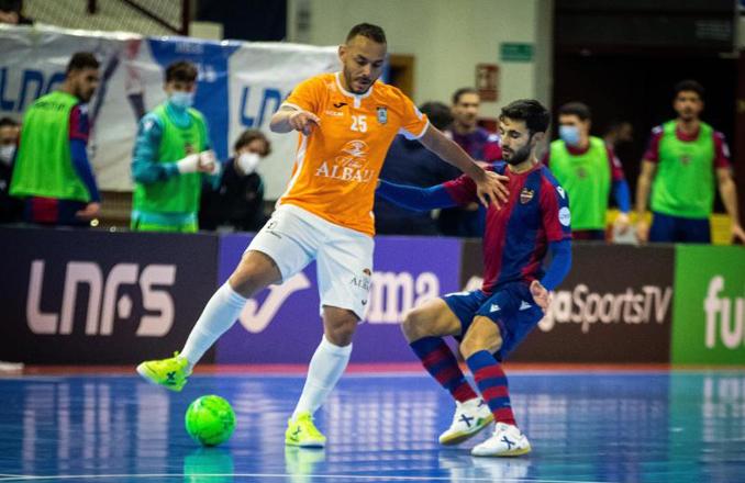 4-1  Un mal arranque penaliza al Viña Albali Valdepeñas