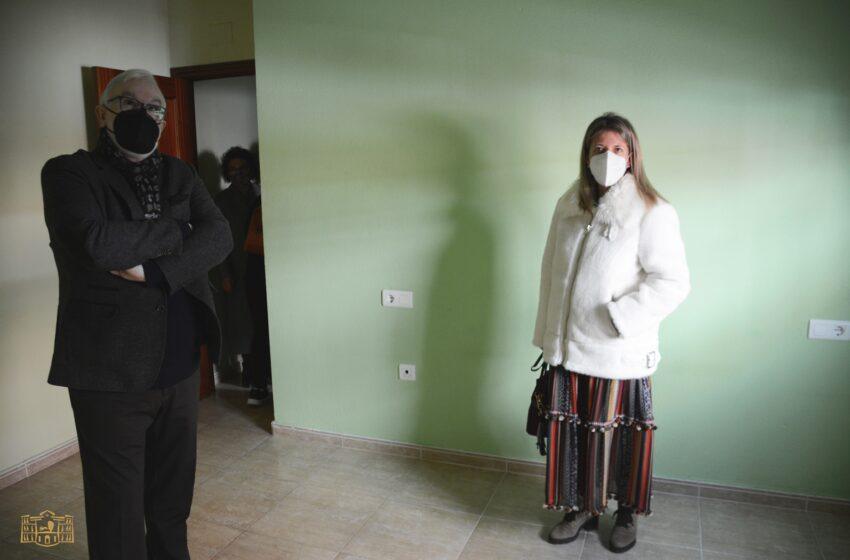 El Gobierno de CLM cede viviendas a dos de las familias damnificadas por el derrumbe de su casa el pasado día 7 en Tomelloso