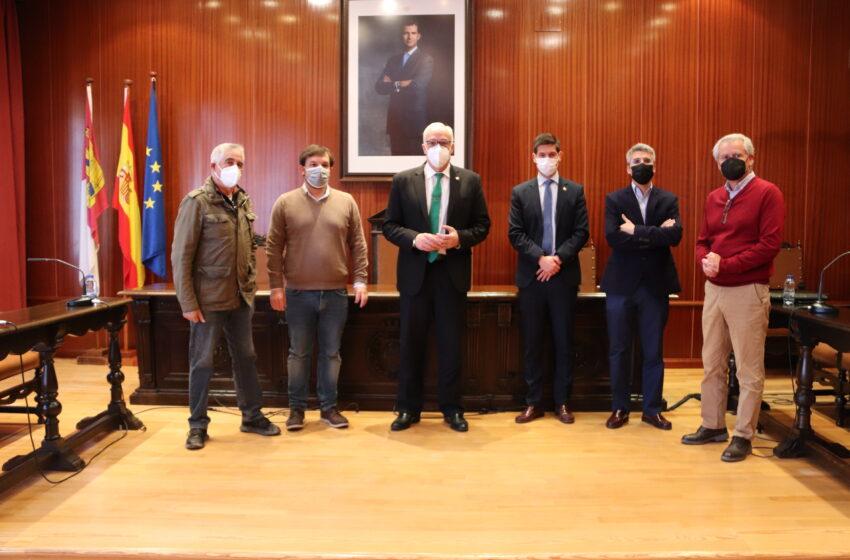 El Ayuntamiento de Manzanares y la Asociación Empresarial suman esfuerzos