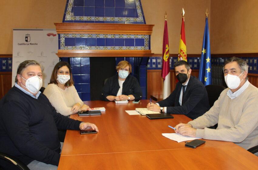 El Gobierno de CLM analiza con el alcalde de Campo de Criptana los avances en el proyecto del auditorio en la localidad