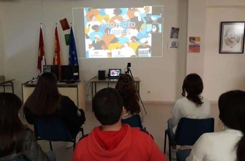 El IES Máximo Laguna y el CEIP Cervantes de Santa Cruz de Mudela colaboran por la igualdad