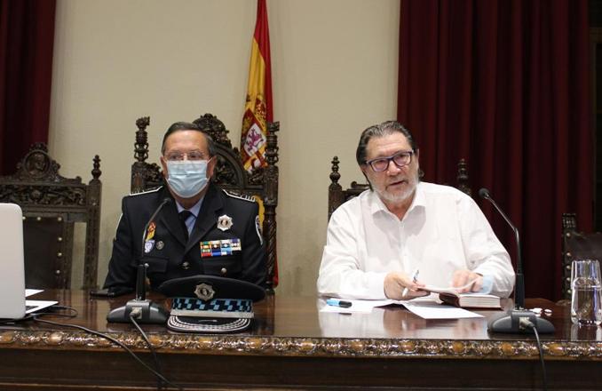 El filósofo Carlos Díaz Hernández ha participado en el Curso «Experto en Seguridad y Defensa» de la UNED, con la conferencia «El Islam, Resistencia y Sumisión»