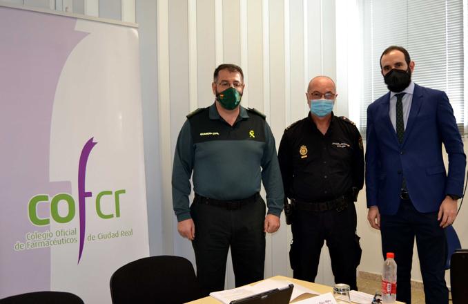 Policía Nacional y Guardia Civil informan a los farmacéuticos del COF de Ciudad  Real sobre medidas de seguridad en las farmacias ante posibles estafas y falsificaciones