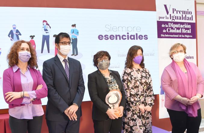 Caballero reclama un lugar destacado para la igualdad entre hombres y mujeres en la recuperación socioeconómica de la provincia