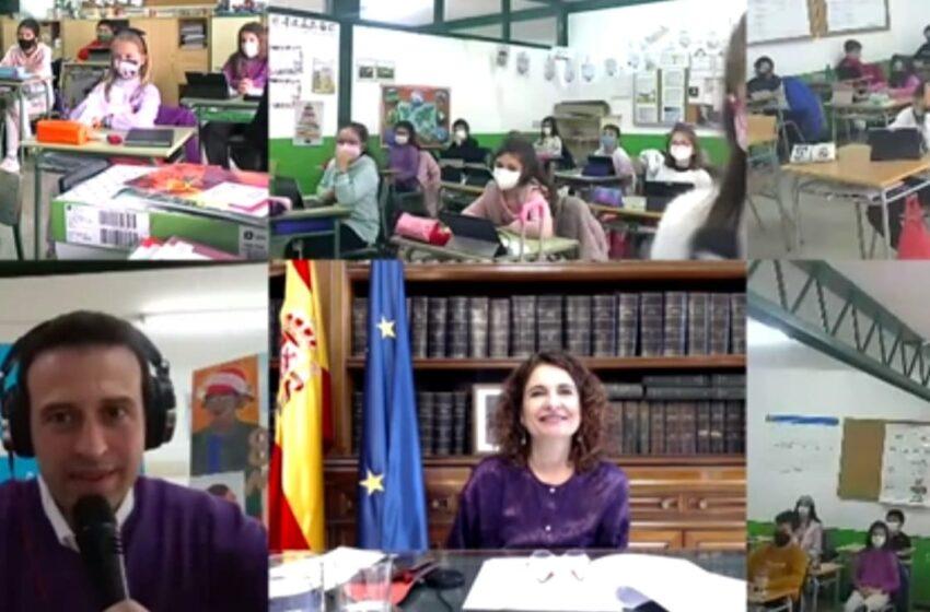 La Ministra y portavoz del Gobierno de España, María Jesús Montero, celebra el día de la mujer con el CEIP Cervantes de Santa Cruz de Mudela