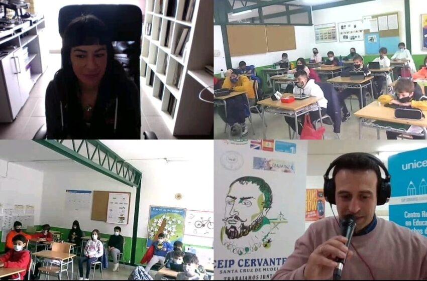Las DJ Internacionales, B Jones y Fátima Hajji, cierran las actividades del CEIP Cervantes de Santa Cruz de Mudela por el día de la mujer