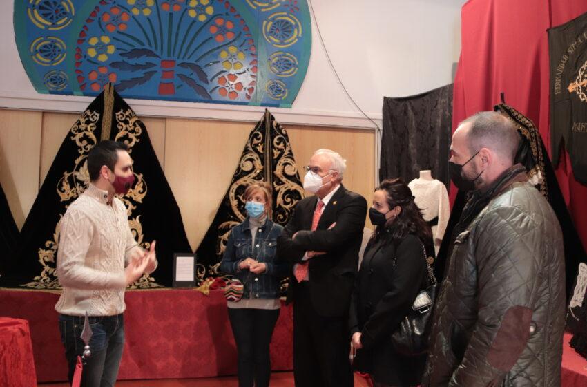 Ya se puede visitar en Manzanares la exposición 'Tesoros de María'