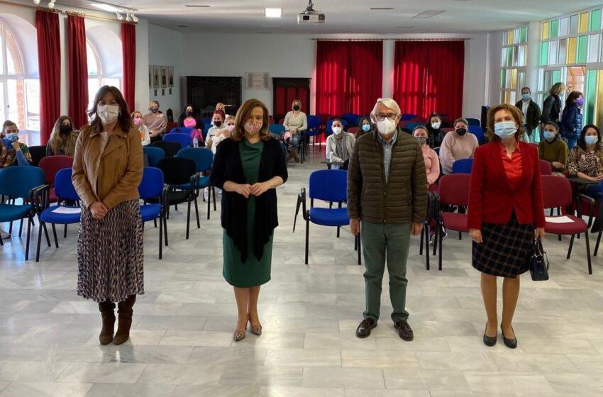 Inauguración de la jornada de Cruz Roja 'Puentes hacia el empleo: itinerarios por la igualdad' en Argamasilla de Calatrava
