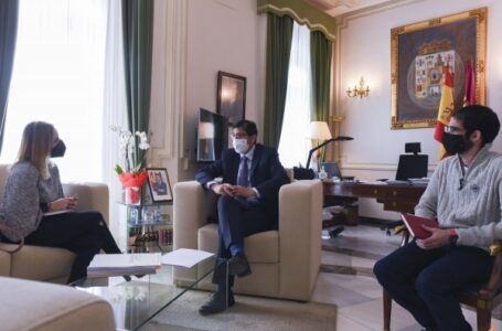 Reunión con la alcaldesa de Santa Cruz de Mudela