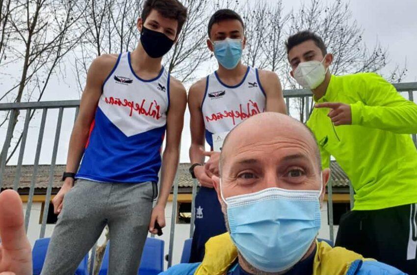 Cuatro atletas del Valdepeñas Athletics Club en Andújar