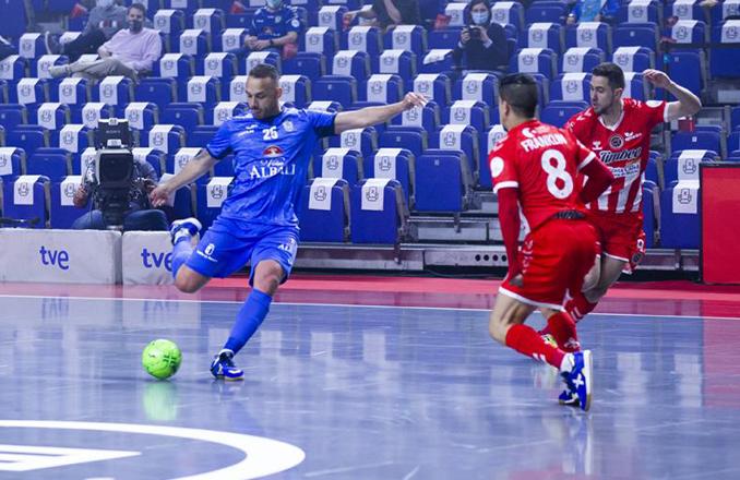 2-1| Cruel final para el Viña Albali Valdepeñas