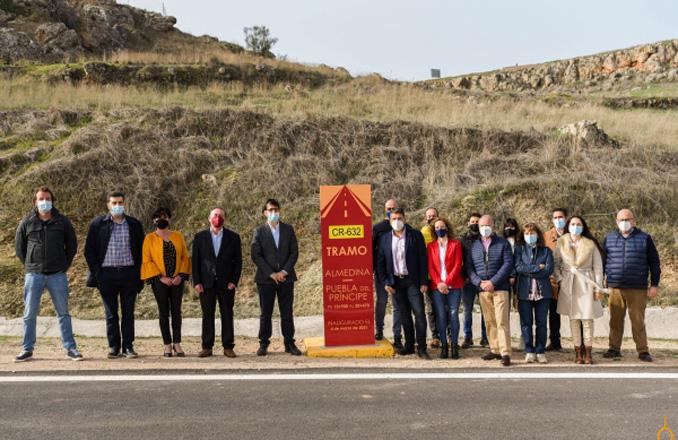La Diputación compromete inversiones en las carreteras del Campo de Montiel para incentivar el desarrollo económico y la movilidad de los vecinos en condiciones de seguridad