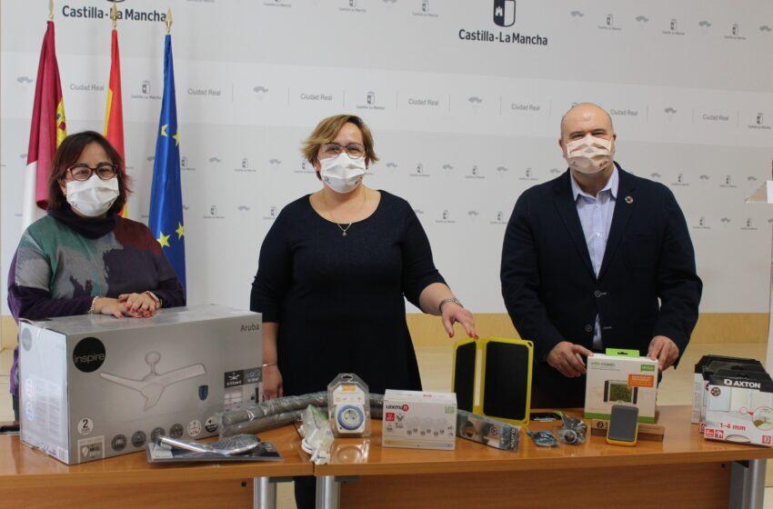 Se empiezan a distribuir kits de eficiencia y ahorro energético entre las víctimas de violencia de género de Ciudad Real