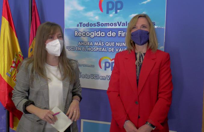 La vicesecretaria de Participación del PP Tania Andicoberry mantiene una reunión con las hermandades y cofradías de Valdepeñas