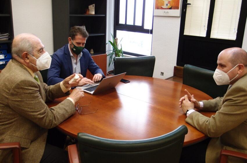 """La AECC presenta a Sanidad el proyecto """"Conectablets"""" en Ciudad Real"""