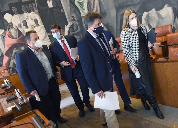 La Diputación aprueba financiación para que los primeros proyectos del IDAE posibiliten una inversión de 7'6 millones de euros en 22 pueblos de la provincia
