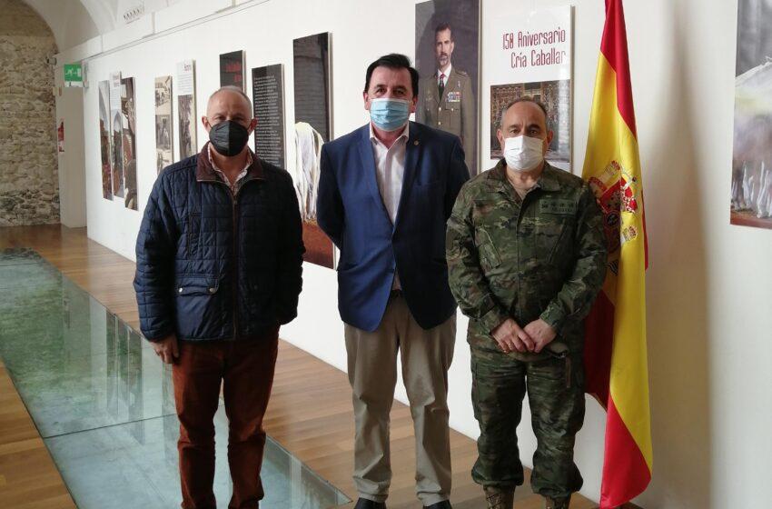El Subdelegado de Defensa recibe al Embajador de la Marca Ejército en la provincia de Ciudad Real